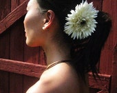Gerber Daisy IVORY - fascinator - Free Shipping Worldwide - Romance And Whimsy