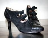 anne klein black velvet buckle heels- 7.5 N