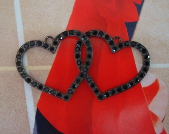 Jewelry Supply, Ear Ring Supplies, 2 GOTHIC RHINESTONE HEARTS Pendant, Lovely Faceted Black Jewels