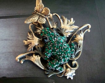 Necklace Pendant Or Brooch Pin Fully Jeweled Rhinestone Frog Pendant, NATURES BEAUTIES, Swarovski, USA Brass, Emerald Green Lucky Frog