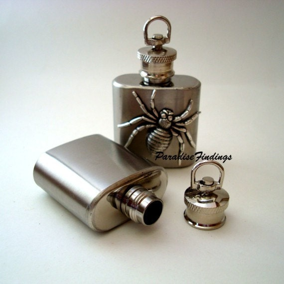 Silver Vessel Pendant, Stainless Steel Flask Of 1 Oz, Unique Necklace Supply, Poison Container, Liquid Locket