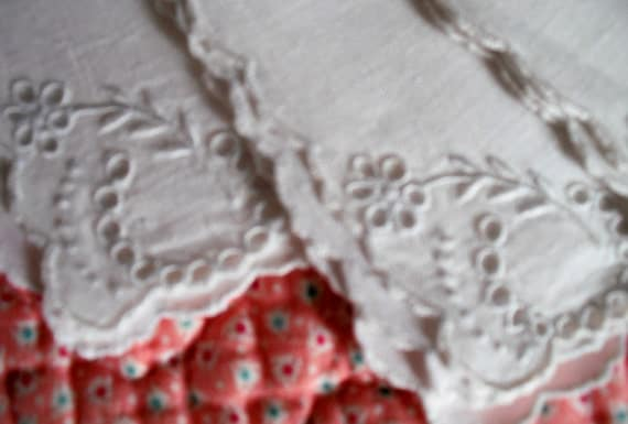 4 Matching Hand Embroidered Linen ANTIQUE TEA NAPKINS - 11 x 11 inches