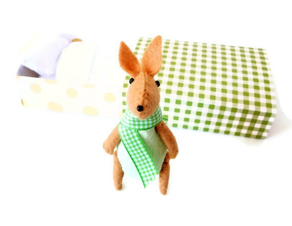 Bunny plush green in matchbox bed