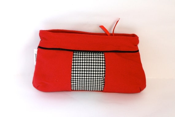 Pleated Red, White and Black Houndstooth Pouch