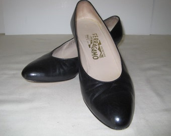 vintage Black Leather Classic Pumps by Salvatore Ferragamo - size 7 1/2 medium