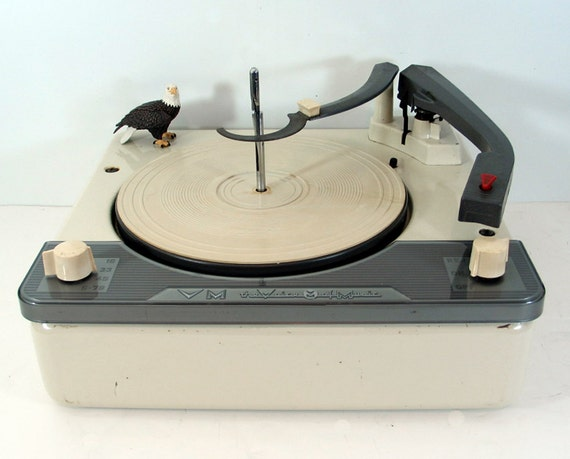 1957 Voice of Music Turntable Plays 16, 33, 45 and 78 RPM