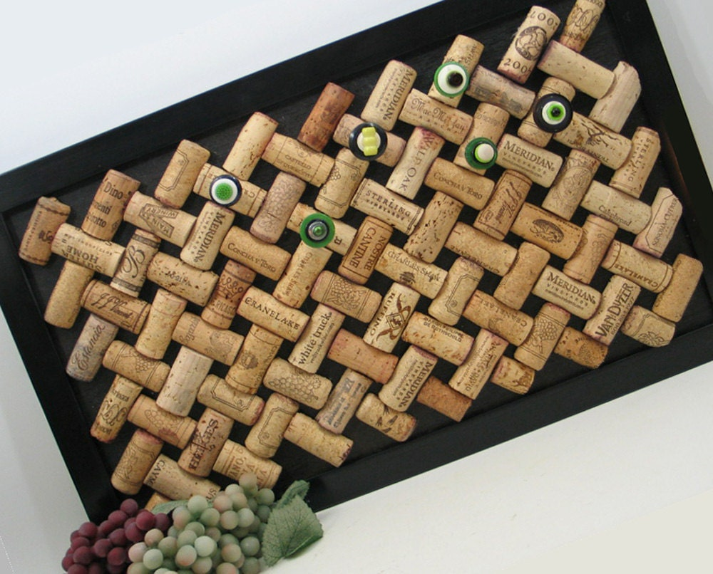 Trellis bulletin board made from recycled wine corks for Wine cork patterns