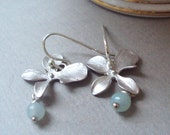 Silver Flower earrings with light green amazonite beads