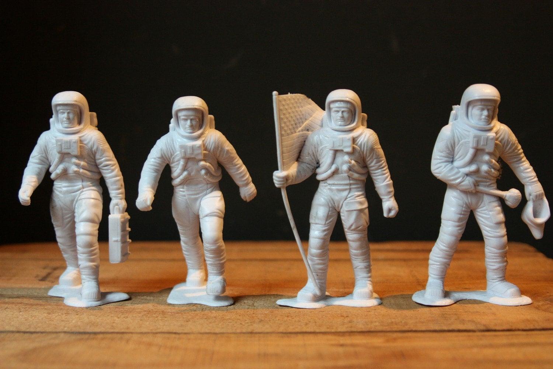 Retro Astronaut - Pics about space