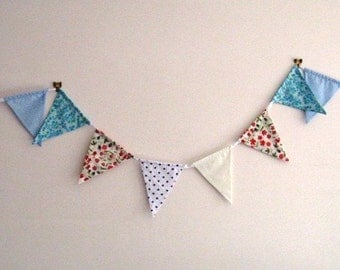 Pretty bunting in mixed colours