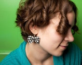 Houndstooth bow earrings