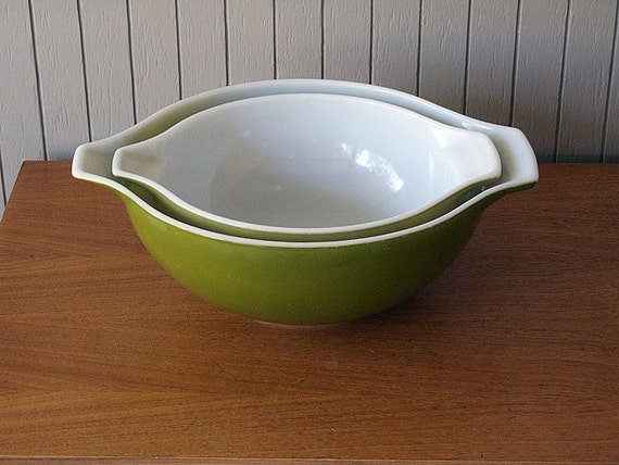 Set of Two Pyrex Cinderella Mixing/Batter Bowls in Green