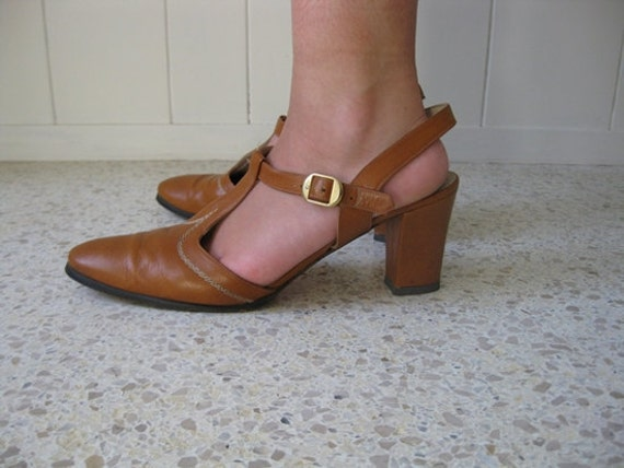 70s nutmeg leather MARY JANES Italy size 10.5