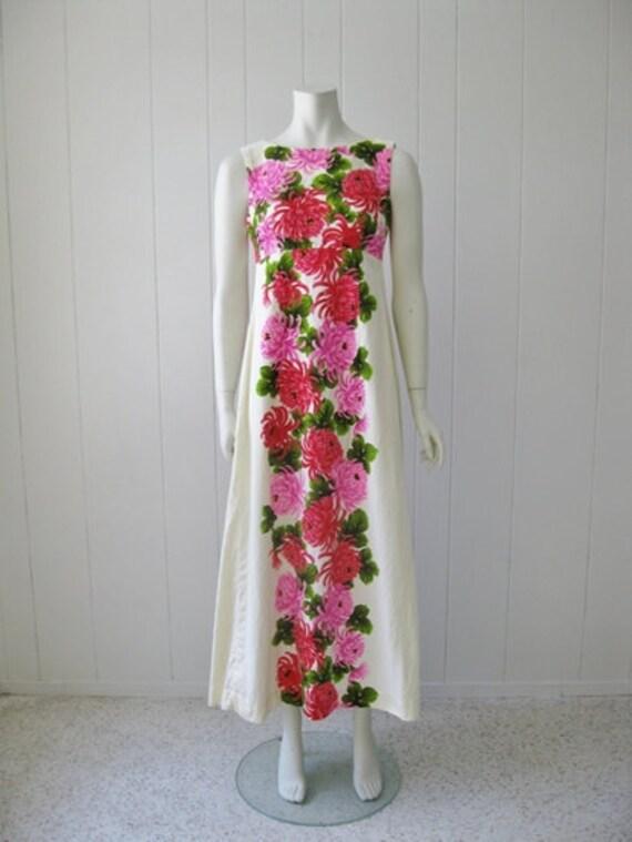60s Chrysanthemum MAXI DRESS by Ui-Maikai Hawaii size small