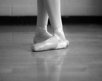 Fifth 8x10 ballet pointe shoes 5th position