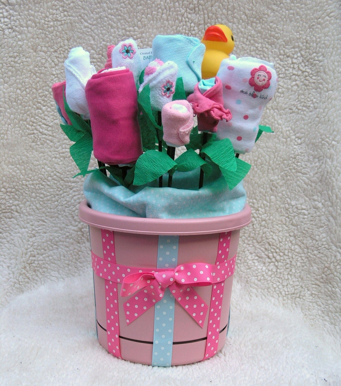 Flower themed baby clothes bouquet 19 piece baby girl gift