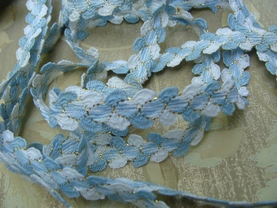 3 Yards of Vintage Rick Rack ..... Add a little Bling ... Blue White and Gold ... NOS