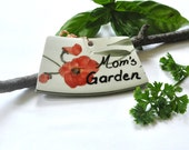Broken China Garden Sign - Eco Friendly - Upcycled - Mom's Garden - Recycled Plate