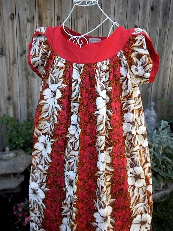 Authentic 1940s Royal Hawaiian Muumuu Dress