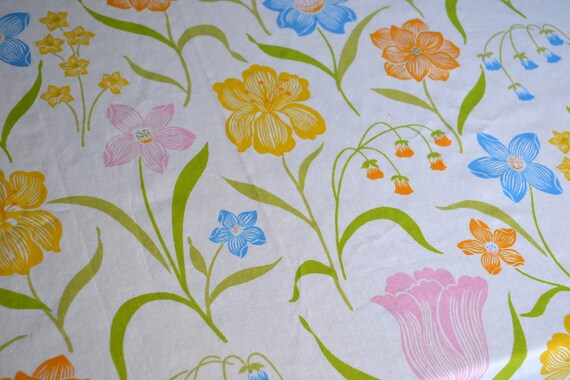 Vintage Bed Sheet - Lovely Spring Flowers - Twin Flat