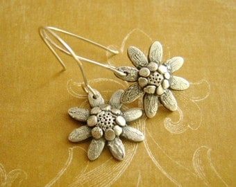 Olearia, daisy, metal clay fine silver, earrings, sterling silver, maid of honor gift, for mummy, wedding gift, thank you gift