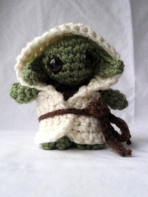 Amigurumi Yoda : Yoda Doll Crocheted Star Wars Amigurumi