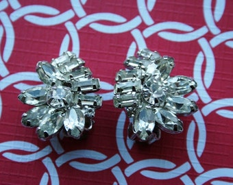 Pin Up Rockabilly Hollywood Glamour Vintage Rhinestone Earrings Signed WEISS