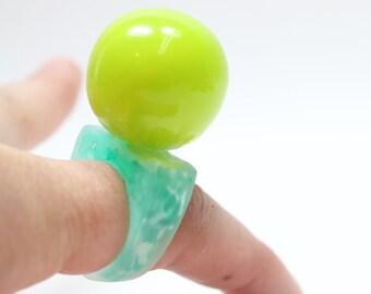 Sz 8 Slime Ball Resin Bobble Ring