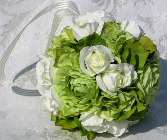 "Green ranunculus, ivory rosebuds and green hydrangea make up my ""Fresh Mint"" kissing ball."