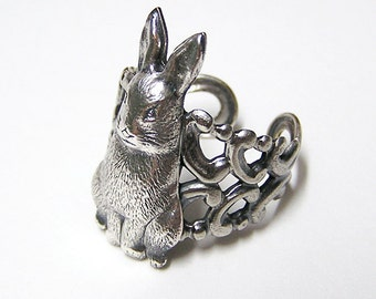 SNOW BUNNY Ring, cute and adorable