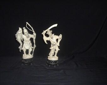 2 japeness figures