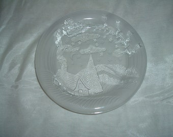 FROSTED ETCHED CHRISTMAS Plate