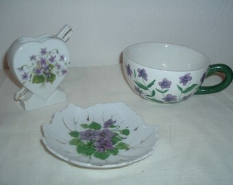 vintage  cup tooth brush holder and soap dish