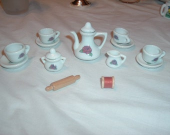 vintatage doll house china 15 pieces