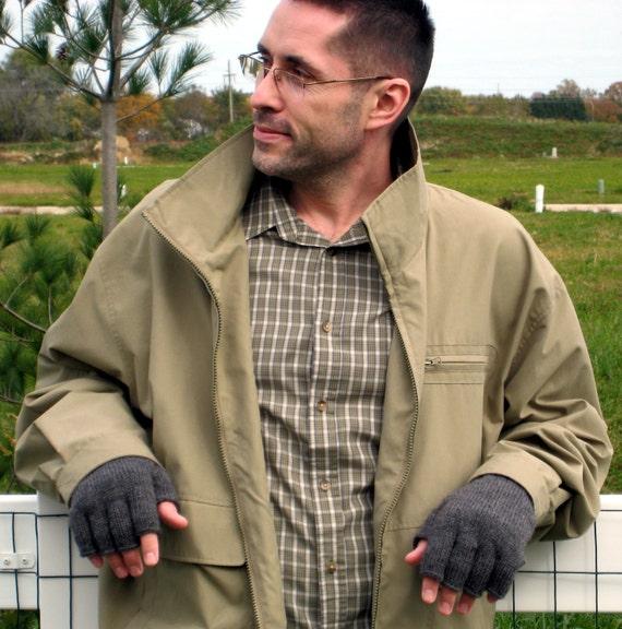 Driving Gloves Knitting Pattern : PDF KNITTING PATTERN Mens Driving Gloves Fingerless