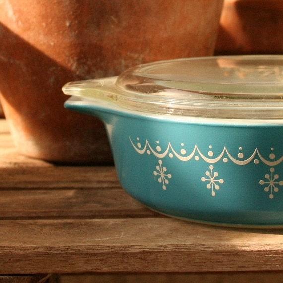 pyrex snowflake winter blue lid vintage kitchen mad men mid century