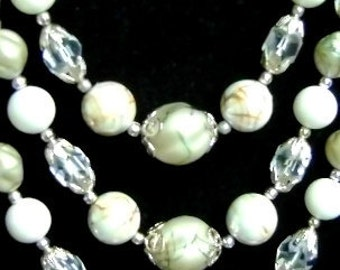 Vintage 3 strand pearls, facetted clear crystal, white, silver and gold marbled beads choker EVC