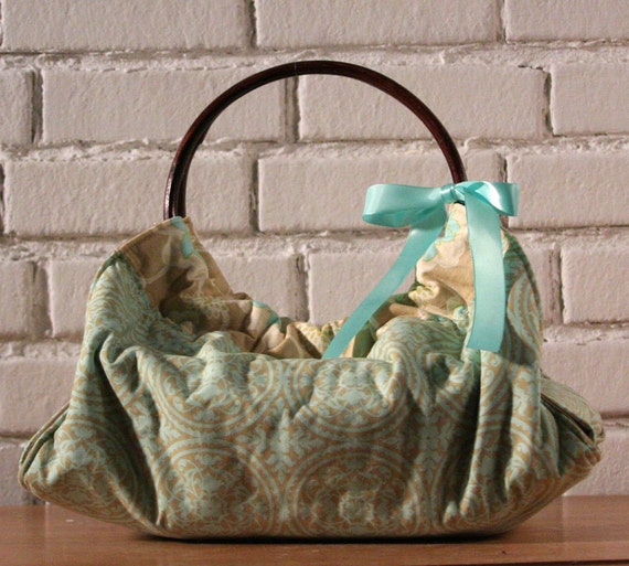 Turquoise Dish and Casserole Carrier