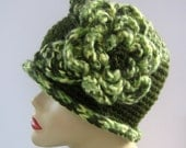 Crochet Cloche Flapper Flower Hat - green and off white - Ready to ship