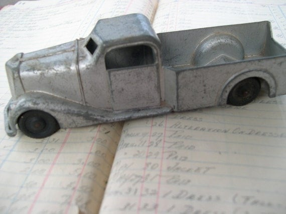 Vintage 1930's Toy Truck  Metal Masters Co