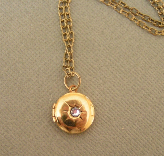 PETITE LOCKET NECKLACE - Vintage Round Brass Locket with Rhinestone on Antique Gold Chain - Simple Everyday Jewelry