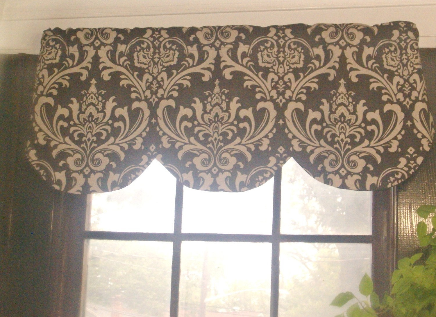 Brown And Beige Scallop Valance Ozborne By