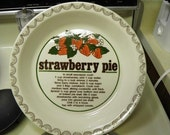 FREE SHIPPING - Strawberry Pie Dish with Built In Recipe - 70s/80s