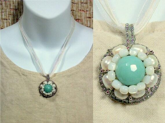 AQUA PEARL - Beaded Bon Bon Pendant Necklace