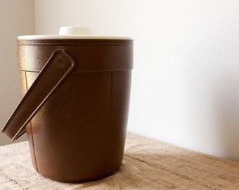 Vintage Ice Bucket by Rubbermaid