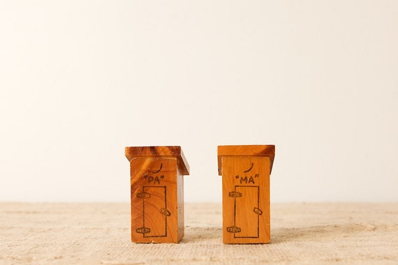 Vintage Ma & Pa Outhouse Souvenir Salt and Pepper Shakers