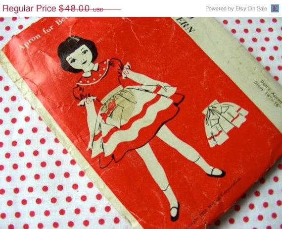 ON SALE Vintage Betsy McCalls Doll Apron Pattern  RARE Original Tiny Doll Pattern Uncut