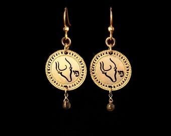 Zodiac Taurus earrings, Gold earrings, Short earrings, Star Sign Jewelry, Birthstone Emerald, Zodiac jewelry, Astrology, Spiritual jewelry