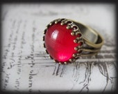 THE RED MOON, vintage ruby red glass jewel ring