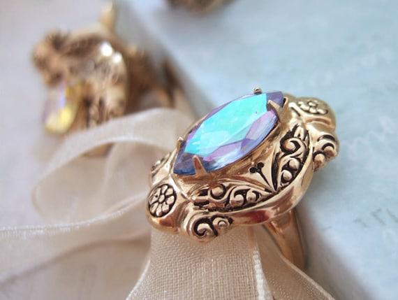 large cocktail rings, gold ring, adjustable vintage rings, VINTAGE SPARKLES, antiqued gold ring,